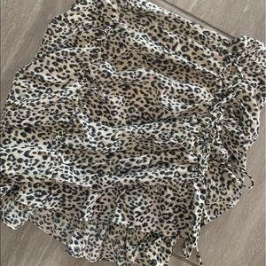 NWT Shop Starlow Leopard Mini Skirt ✨
